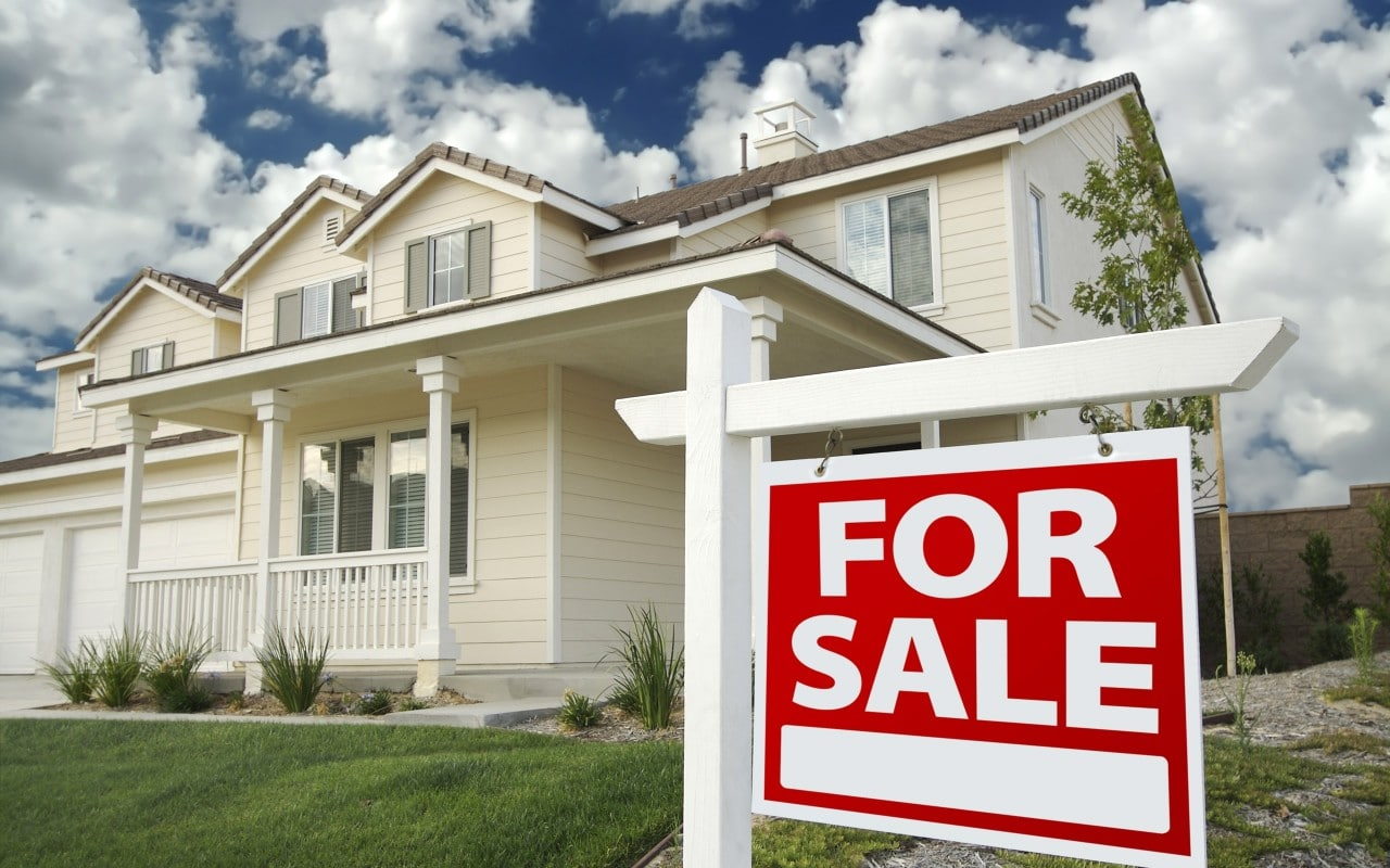 How Auction Can Help You Sell Your House Fast